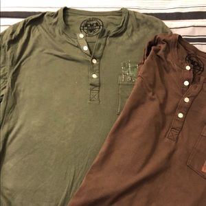 2 long-sleeve henleys for the price of 1. Size: S